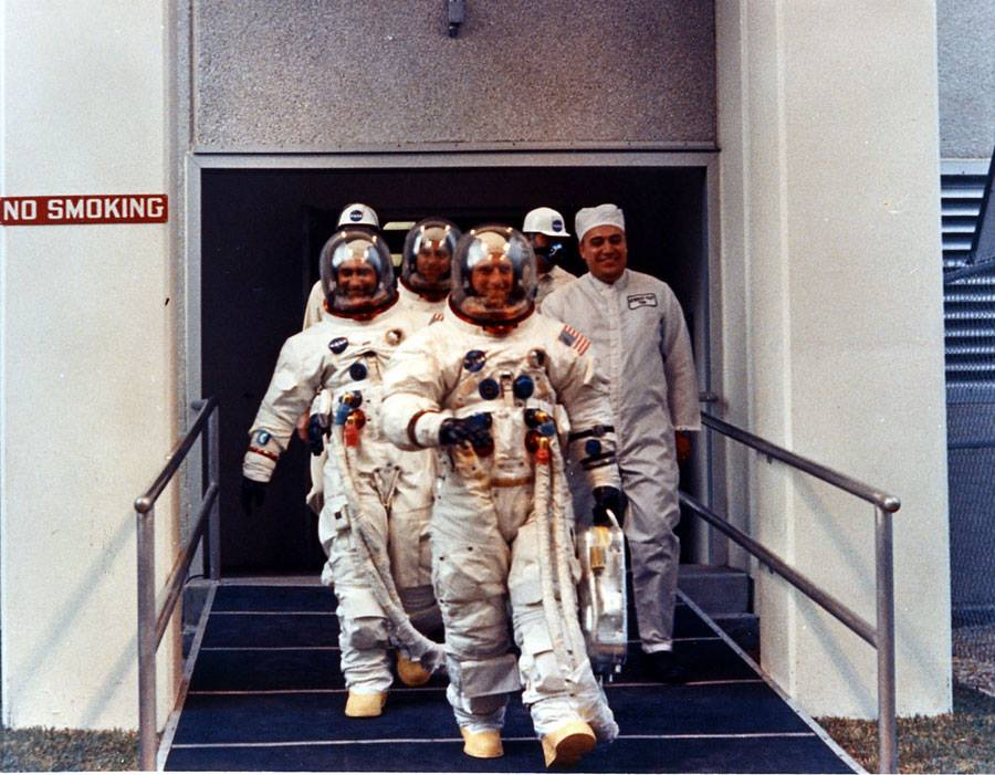 Posádka Apolla 12 jde na start; 14. 11. 1969