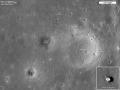 Místo přistání Apolla 12, sledované sondou LRO v roce 2011
