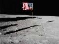 Vlajka na Měsíci
