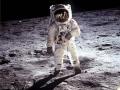Snímek století: Armstrong se zrcadlí v přilbě B. Aldrina
