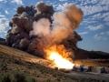 Druhá a poslední zkouška motoru QM-2 (qualification motor test), který jako booster bude použit pro plánovanou raketu SLS, proběhla v úterý 28. června 2016. Během letu budou tyto dva boostery tvořit více než 75 % potřebného tahu pro překonání zemské gravitace. Test proběhl úspěšně v testovacím zařízení ATK v Utahu. Videa ze zkoušky jsou k dispozici na stránce https://exospace.cz/filmy-a-videa/experimenty/#20 (NASA&Petr Plicka)