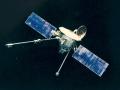 3. listopadu 1973 odstartovala sonda Mariner 10. Primárním cílem sondy byla planeta Merkur, kolem níž sonda třikrát proletěla. Při cestě minula Venuši - bylo to první v praxi realizované použití gravitačního katapultu. Mariner 10 studoval morfologii, atmosféru a interakci Merkuru se slunečním větrem. Sonda zůstává na oběžné dráze kolem Slunce