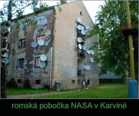 Satelity nažhavené a ideme skúmať hviezdičky...(Eduard Boldižár)