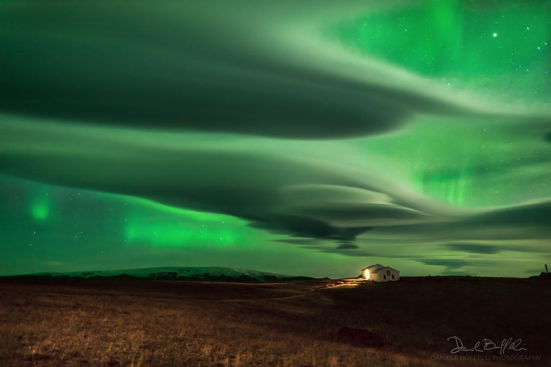 Polárne žiare na Islande v kombinácii z tamojšou prírodou sú priam očarujúce...(Eduard Boldižár)