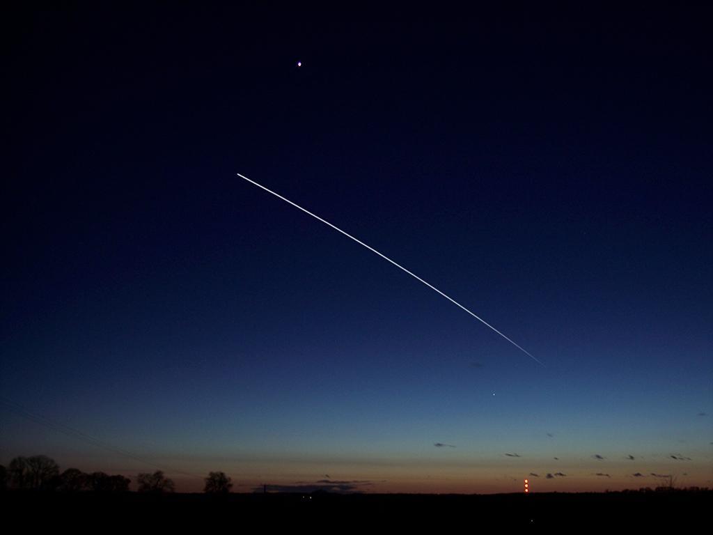 Stanice ISS při přeletu v říjnu 2015