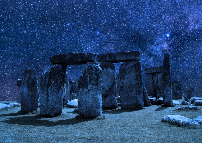 Anglický Stonhenge v zajatí hviezd (Eduard Boldižár)