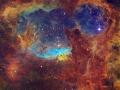 Hmlovinu NGC 6357 radíme medzi emisné hmloviny a je vzdialená od nás 6500 svetelných rokov v smere Škorpióna...obsahuje aj hviezdy hmotné 100 násobku Slnka...sú to skutočné hviezdne monštra (Eduard Boldižár)