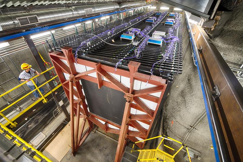 Experiment NOVA – hon na neutrína