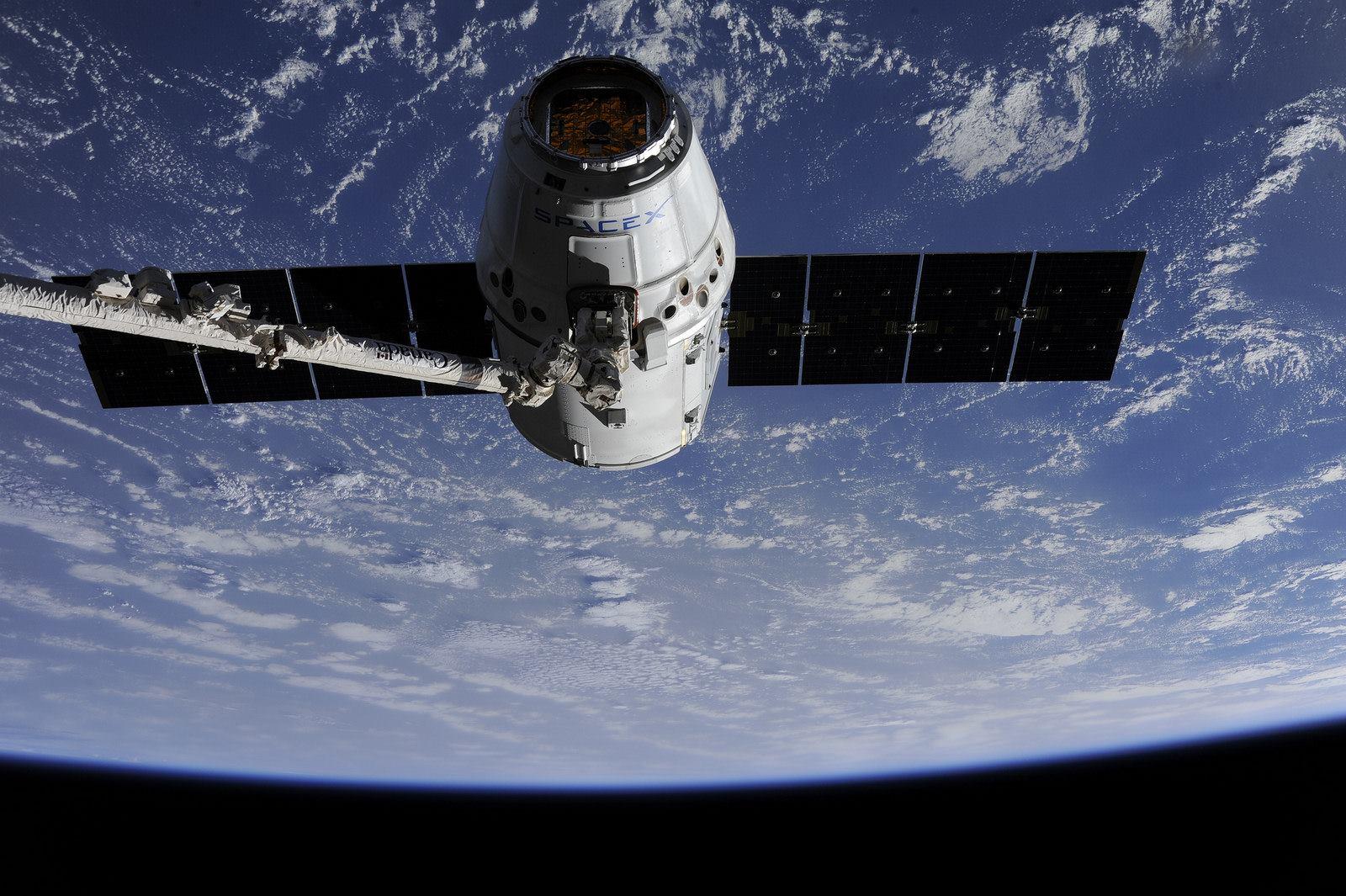 Deviata misia lode Dragon k ISS