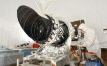 Polychromatická kamera HiRISE (nasa.gov)