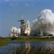 Start raketoplánu Columbia; mise STS-2 začíná (spacefacts.de)