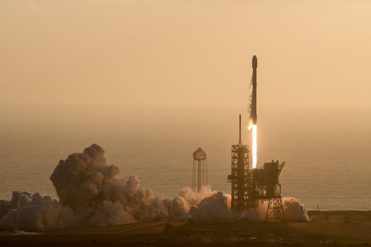 NROL-76: První vojenská družice pro společnost SpaceX