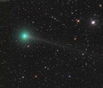 Komety vizuálně v době novu 21. 8. 2017